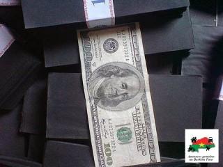 Nettoyage des billets de banque noir