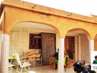 Une villa de type F4 bâtie sur une superficie de 300m² en vente à Ouagadougou à la zone une